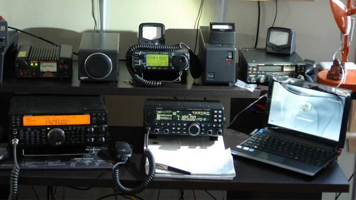入门短波的优选收发信机:八重洲FT-450D