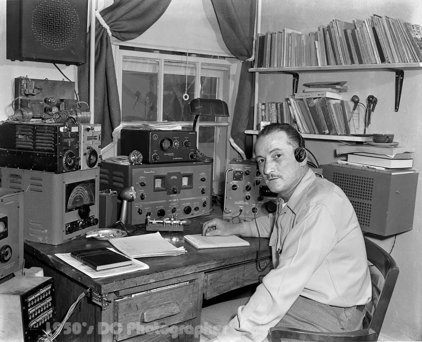 """封面:你知道,为什么业余无线电操作员被称为""""HAM""""吗?"""