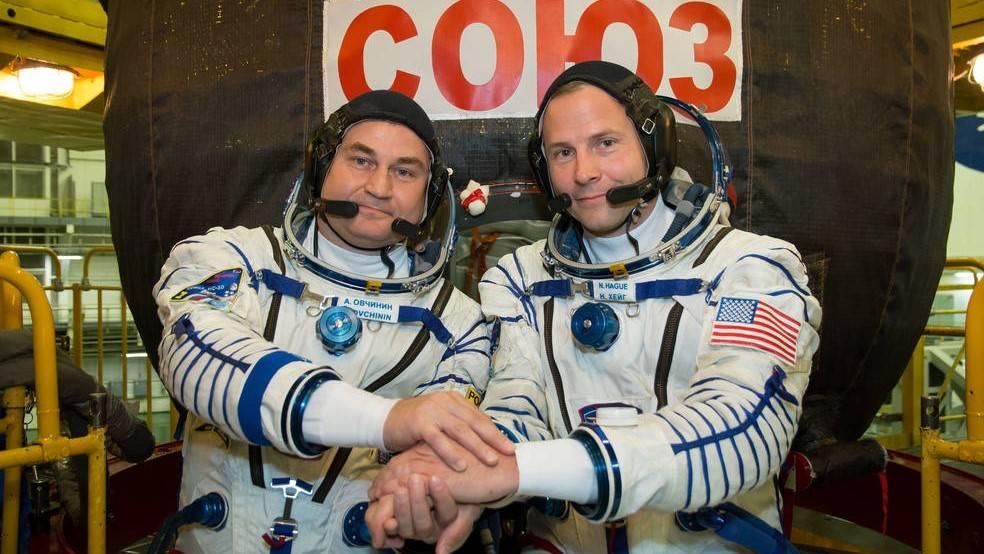 封面:NASA电视将直播宇航员的首次太空任务