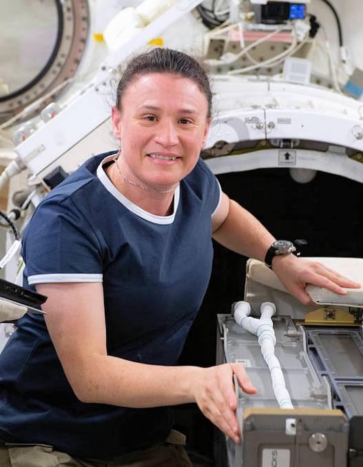 业余界:国际空间站(ISS)考察组成员激活NA1SS进行随机通信