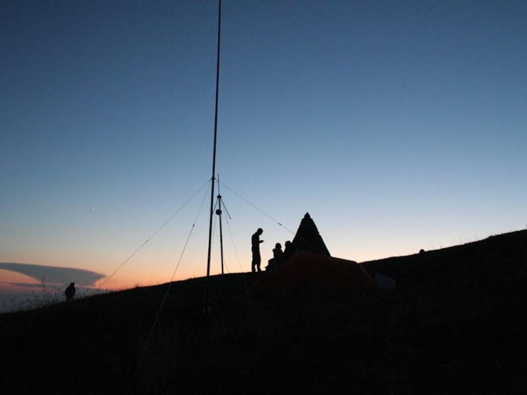火腿小故事:山间、小路、徒步、通联