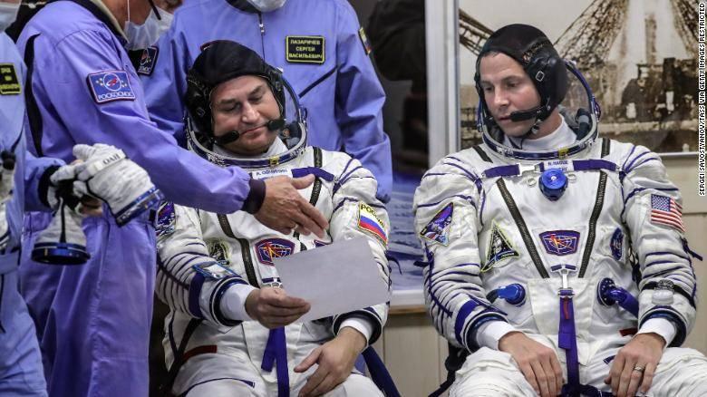 业余界:联盟号紧急着陆成功,业余无线电爱好者宇航员幸存