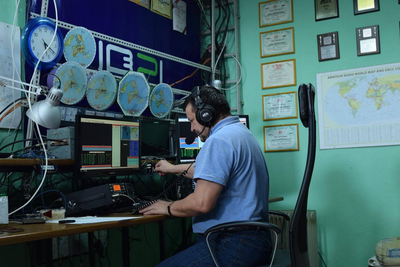 专题:CQWW SSB多人双机亚洲纪录保持者UP2L