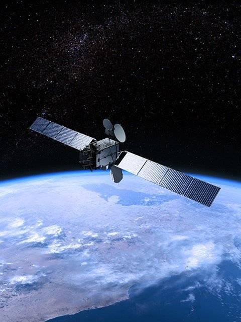 封面:史上第一次,业余爱好者拥有地球同步轨道转发器