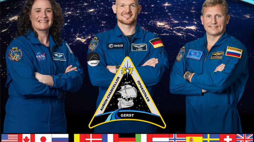 封面:太空行走准备和肌肉研究让宇航员们忙得不可开交