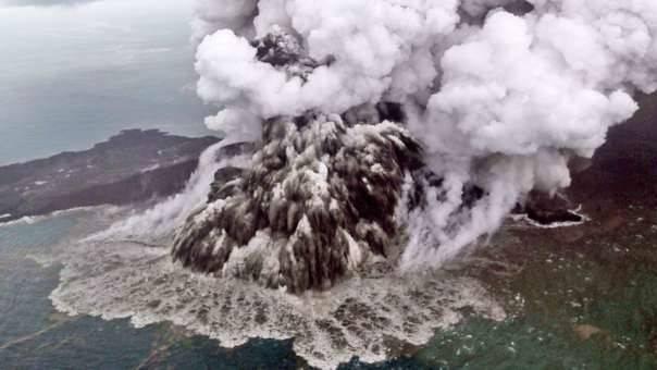 封面:业余无线电家为印尼海啸提供应急通信支持