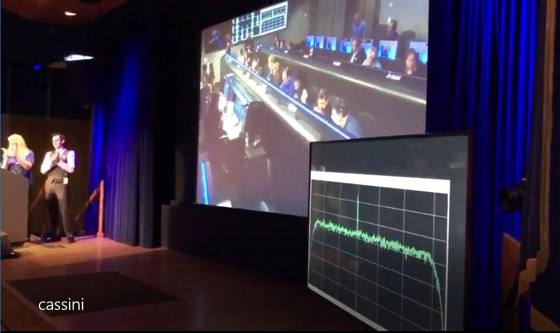卡西尼号与地球联系上了,并成功的发回数据