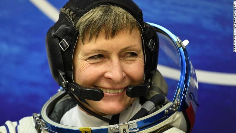 美国业余无线电爱好者Peggy Whitson破太空停留记录