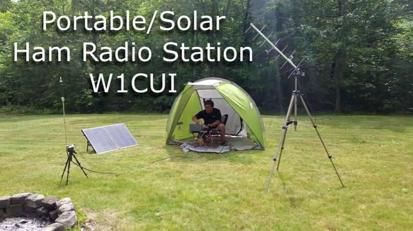 在野外架设太阳能供电的业余电台